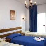 Zweibettzimmer mit Zustellbett